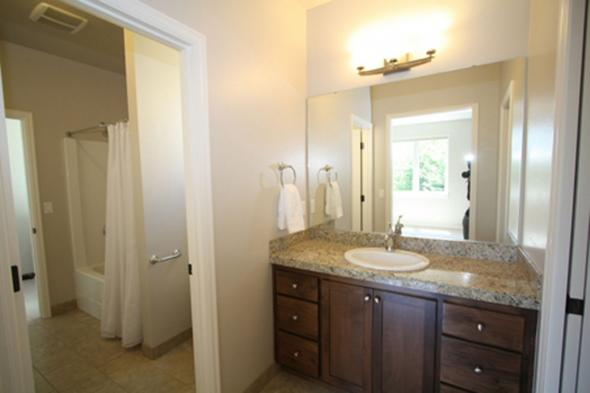 House Plan Photo - Goldenheart 10-580 - 2nd Floor Bathroom